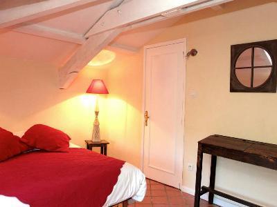 trouvez facilement votre h bergement cassis h tel chambre d 39 h te camping auberge de. Black Bedroom Furniture Sets. Home Design Ideas