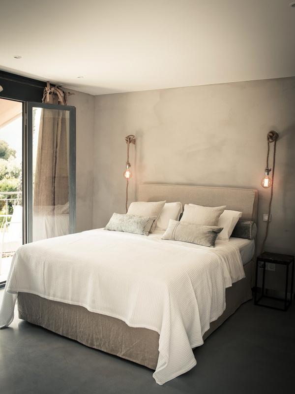 le cap cassis b bs cassis frankreich. Black Bedroom Furniture Sets. Home Design Ideas