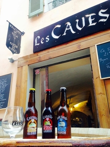 Les Caves du Port: la Bière de Cassis - Cassis, Francia