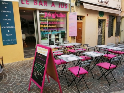 Restaurant Juicy Fruitea - Cassis, France