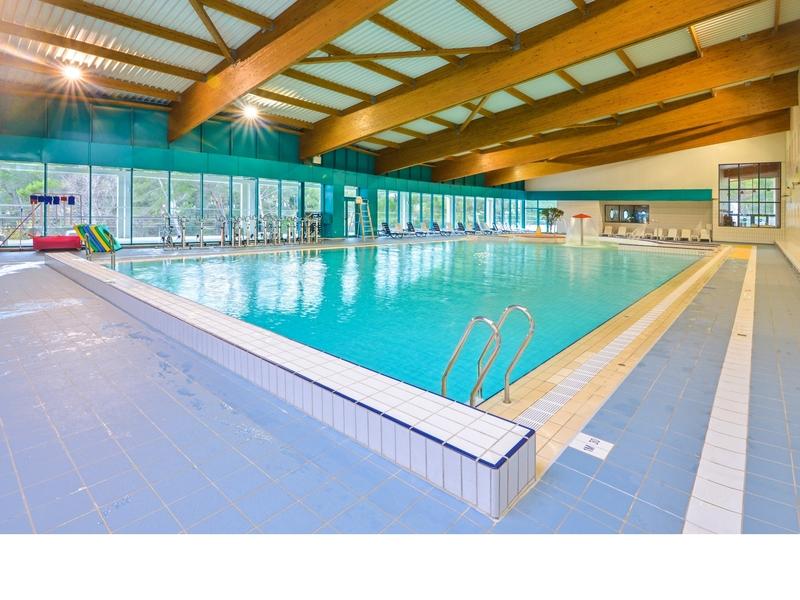 Piscine cap provence cdt equipementdeloisir cassis france for Provence piscine