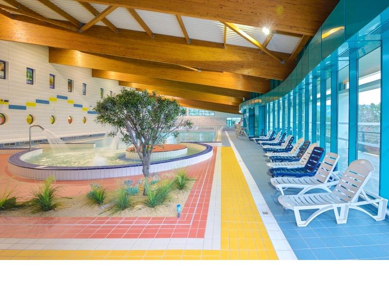 Piscine cap provence equipement de loisir cassis france for Provence piscine