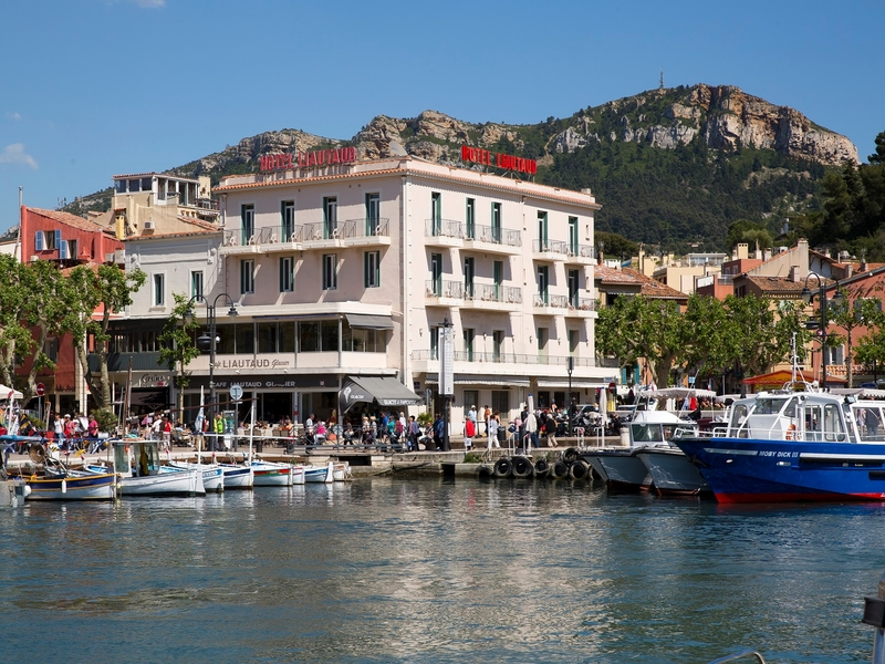 Le liautaud h tels 2 toiles cassis france for Cassis france hotels