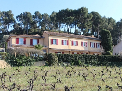 La Bastidaine Bed and BreakfastCassis, France
