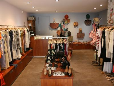 Mila au Marais Women's ready-to-wear - Cassis, France