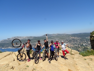 Tour by electrical mountain bike 2H - Cap Canaille's cliff (easy level) - Cassis, France