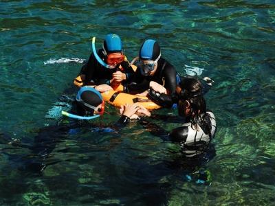 Senderismo palmeada en el Parque Nacional de las Calanques - Snorkeling - Cassis, Francia