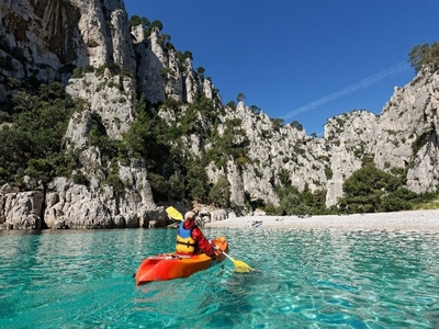 Guided sea kayaking excursion in the calanques with the CSLN - Cassis, France