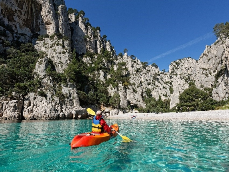 Guided Sea Kayaking Excursion In The Calanques With The Csln