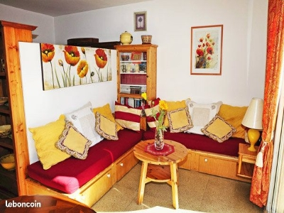 NAIS - N° 824 Holiday rentalsCassis, France