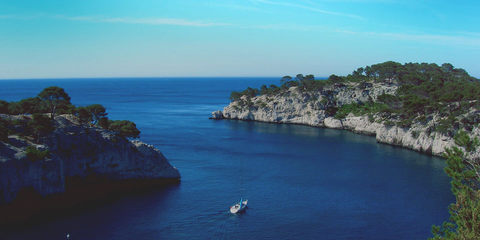 Cassis Tourist Office Calanques Cap Canaille Cassis wine between